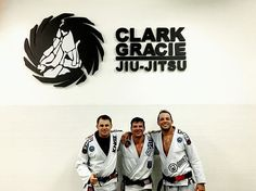 Great train today with my old friends at @clarkgracieteam 👊🏻🏆👊🏻🏅👊🏻l🇧🇷🇺🇸 #bjjforlife #blackbelt #lajolla #sandiego #friendship #healtylifestyle #neverquit #fightsports #drilljiujitsuschool #lajollalocals #sandiegoconnection #sdlocals - posted by Eduardo Guedes  https://www.instagram.com/dudakgl. See more post on La Jolla at http://LaJollaLocals.com