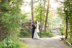 We are obsessed with Grandview weddings and this one is no exception! It's too fabulous! Click the image link to call them today about your wedding. Image credit: Daisy Moffatt Photography.