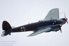 Heinkel He 111(Alemania)  El Heinkel 111 fue diseñado como un avión de pasajeros; sin embargo su potencial militar era notorio.A principios de 1936 voló elHe 111 V5, prototipo de la serie militar He 111B, que estaba equipado con dos motores Daimler Benz DB 600A de 1.000 cv. A finales de 1936 tuvieron efecto las primeras entregas a una unidad operativa, el 1./KG 154 de Fassberg, y en febrero de 1937 treinta He 111B-1 fueron entregados a dos Staffel de bombardeo de la Legión Cóndor,el…