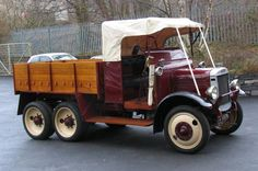 1928 VULCAN SIX-WHEELED TRUCK