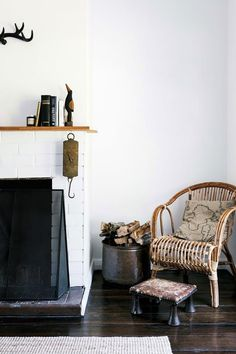 A local couple turned an old farm cottage in Tasmania's Huon Valley into a peaceful holiday retreat, now known as The Farmer's Cottage. Interior Design Awards, Interior Styling, Interior Ideas, Interior Inspiration, Country Style Magazine, Wicker Armchair, Country Style Living Room, Farm Cottage, Rose Cottage