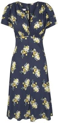"""cute vintage """"tea"""" dress ~ love this reminds me of """"The Notebook"""