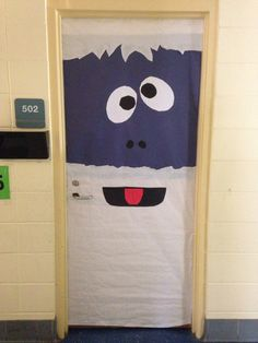 Preschool Bring some good cheer to your classroom with this holiday classroom doors and winter classroom door ideas. Then recreate them yourself! Diy Christmas Door Decorations, Christmas Door Decorating Contest, School Door Decorations, Winter Door Decoration, Bumble The Abominable Snowman, Snowman Door, Christmas Snowman, Teacher Doors, The Doors