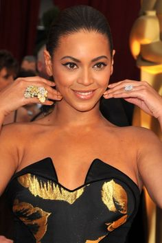Ever Wondered What Beyoncé's Engagement Ring Looks Like? It's Fit For a Queen, of Course Engagement Rings, Emerald Cut Diamonds, Diamond Cuts, Bling Wedding, Queen, Something Blue, Celebrity Weddings, Victoria Beckham, Home