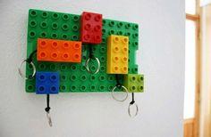 Veja como fazer um porta-chaves super divertido com peças de Lego!