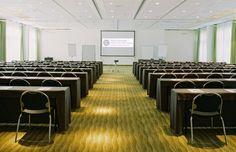 Berliner Saal -     Das Hotel Esplanade verfügt über 3 Säle unterschiedlicher Größe die zu einem über 310m² großen Veranstaltungssaal verbunden werden können.