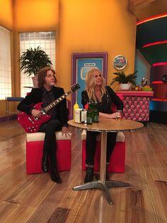 """Gemaakt voor Masmedia / de TV-kantine 2 stoeltjes met """"dunne"""" benen"""