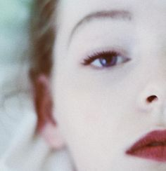 simplicity | tightline + mascara + matte wine lips