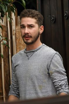 Shia Labeouf!! who dosen't love this guy! i've got a MAJOR CRUSH ON HIM!