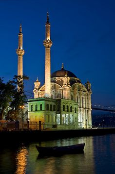 ORTAKOY MOSQUE : was built by (Armenian Architect) Nigogos BALYAN. in Baroque-style for Sultan Abdulmecit, between in Istanbul. Nigogos new desing was tried in This Mosque and Dolmabahce Mosque. Night view at Ortaköy Mosque in Istanbul, Sarah Allan Islamic Architecture, Amazing Architecture, Art And Architecture, Places To Travel, Places To See, Places Around The World, Around The Worlds, Beautiful World, Beautiful Places