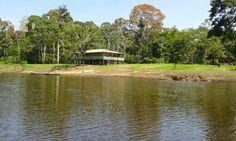 Rio navegável no Amazonas -- Brasil.