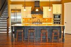 Traditional Kitchen Island Seating For Five Design, Pictures, Remodel, Decor and Ideas - page 5