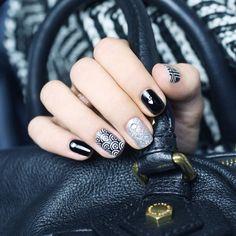 Nail Art Noir et Blanc - Pshiiit