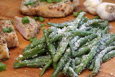 Crisp Garlic Parmesan Green Beans | Ruled Me