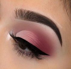 We all love eye makeup tutorial compilation videos and images, so here you go! As requested by most of our viewers, we are bringing you different eye makeup looks to match your everyday Pink Eye Makeup, Makeup Eye Looks, Eye Makeup Art, Pink Eyeshadow, Pink Eyeliner, Makeup Glowy, Makeup Eyeshadow, Eyeshadow Palette, Eyeshadow Ideas