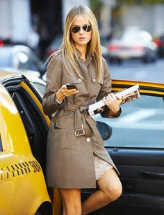 I wish I could look this chic getting out of cab.