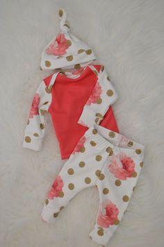 Newborn girl outfit newborn coming home by LittleBeansBabyShop