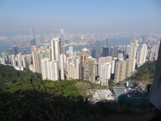 CHINE - HONG KONG vue prise à partir de l'observatoire de Victoria Peak San Francisco Skyline, Hong Kong, New York Skyline, Victoria, Travel, China, Voyage, Viajes, Traveling