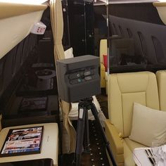 360 Interactive tours. #TBT #BTS #behindthescenes with @vistajet aboard the #bombardier #global5000 at the #challenger350tour final static at #VNY #matterport #virtualwalkthrough  #ReallyThere3D  FULL INTERACTIVE #3D TOUR: REALLYTHE.RE/VISTAJETGLOBAL5000