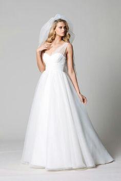 •• Nice White Wedding Dress ••