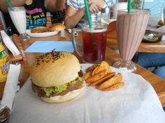 Mamu - Mozza Stuffed Burger/Granny's Burger Hamburger, Dining, Ethnic Recipes, Food, Essen, Burgers, Meals, Yemek, Eten