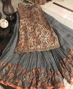 Pakistani dress/ partywear/ desi dresses/ indian dress Beautiful 3 piece kameez with pallazzo style pants. Pakistani Formal Dresses, Pakistani Party Wear, Pakistani Wedding Dresses, Pakistani Dress Design, Pakistani Outfits, Indian Dresses, Indian Outfits, Pakistani Clothing, Emo Outfits