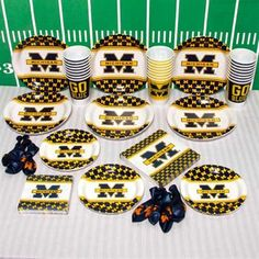 Tailgating - Michigan Wolverines Ultimate Tailgate Party Pack