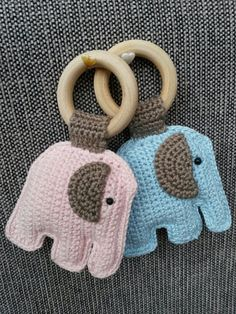 Rammelaars by chris Crochet Baby Toys, Cute Crochet, Crochet Animals, Crochet For Kids, Crochet Crafts, Crochet Dolls, Crochet Yarn, Baby Knitting, Crochet Projects