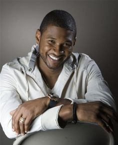 Usher's Exclusive Tiret Diamond Watch and His Passion For Watches ~ Sense Of Luxury Usher Quotes, Usher Raymond, Beatiful People, High Fashion Men, Old School Music, Handsome Black Men, New Girlfriend, Yesterday And Today, Soul Music