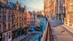 West Bow, a street in Edinburgh, Scotland (© Rory McDonald/Getty Images)