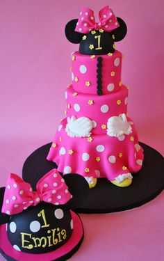 First Birthday Cakes NJ - Pink Mouse Custom Cakes - Cake by Leo Sciancalepore Mickey And Minnie Cake, Minnie Mouse Birthday Cakes, Theme Mickey, Custom Birthday Cakes, Minnie Mouse Pink, First Birthday Cakes, Birthday Ideas, Birthday Photos, 2nd Birthday