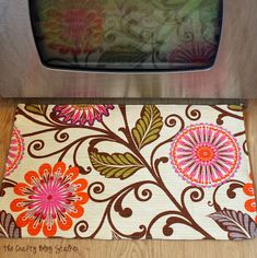 Cute kitchen rug by @The Crafty Blog Stalker out of @HGTV HOME fabric #loveit #DIY