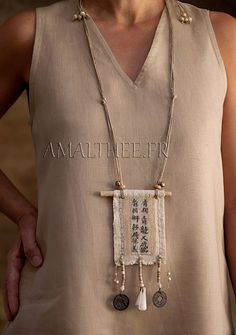 Vintage linen necklace with calligraphy -:- AMALTHEE -:- n° 3388
