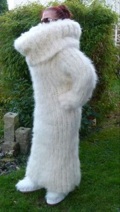The Mohair and Angora fetish World Fluffy Sweater, Mohair Sweater, Wool Sweaters, Turtleneck, Angora, Sweater Dress Outfit, Knit Dress, Sweater Dresses, Knit Wear