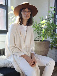 brown hat, cream cardigan, collarless white shirt & white jeans #style #fashion