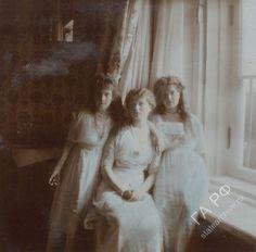 Anastasia Nikolaevna, Olga Nikolaevna & Maria Nikolaevna at the Alexander Palace, 1913