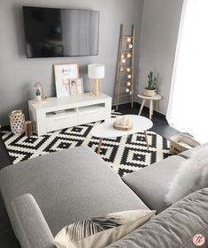 38 Grey Small Living Room Apartment Designs to Look&; 38 Grey Small Living Room Apartment Designs to Look&; Ana Mayfield analovessoftbal Home decor 38 Grey Small Living Room Apartment […] living room grey Small Apartment Living, Living Room On A Budget, Small Living Rooms, Interior Design Living Room, Home And Living, Modern Living, Living Room Decor Ideas Apartment, Small Living Room Designs, Minimalist Living