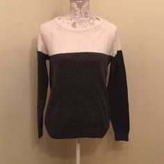 listing! Two-toned sweater In excellent condition. I cut out the fabric tag, but the gray feels like wool, and the top has a fuzzy look to it and is really soft. Forever 21 Sweaters