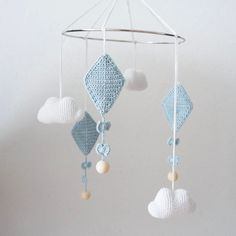 Amigurumi Mobiles - Inspirations - My Crochet World - Before After DIY Crochet Baby Mobiles, Crochet Mobile, Crochet Baby Toys, Crochet Diy, Crochet World, Crochet For Kids, Baby Knitting, Diy Bebe, Crochet Dragon