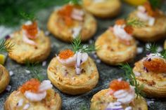 Start your party off right with these party food ideas and easy appetizer recipes for dips, spreads, finger foods, and appetizers. Finger Food Appetizers, Easy Appetizer Recipes, Appetizers For Party, Finger Foods, Christmas Appetizers, Torchys Queso Recipe, Dough Recipe, Tapas, Football Party Foods