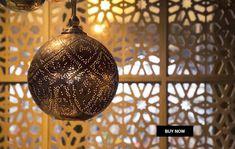 Galerie artisan / artisanat Marocain /site de vente des produits d'artisanat / artisan cuivre au Maroc/ artisan poterie au Maroc Oriental, Boutique Deco, Suspension Design, Home And Deco, Champions League, Marrakech, Cool Cats, Zen, My Design