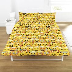 LICENSED EMOJI MULTI YELLOW FACE DOUBLE DUVET £28.00 Emoji Multi Yellow Face Double Duvet Set comes complete with two pillowcase which measures approx 50cm x 75cm, the duvet cover measures approx 198cm x 198cm and will fit any standard bed. The Panel Duvet cover is made from 48% Cotton & 52% Polyester and comes with full colour printed Emoji print and branding. Wash and handling instructions label on the packaging. This Emoji duvet set is an official product.