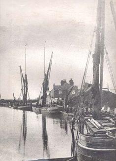 Sailing Barges Dutch Barge, Irish Catholic, Vintage Boats, Wooden Ship, Sail Boats, Forts, Tall Ships, Sailors, Beautiful Scenery
