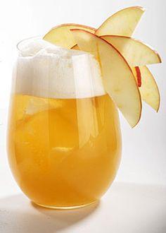 Cocteles sin alcohol  APPLE & HONEY. Ingredientes: ¼ de manzana Pink Lady, 1 cl de zumo de limón, 1 rodaja de jengibre, 18 cl de zumo de manzana, 4 cl de miel. Elaboración: Mezclar todos los ingredientes en una batidora hasta obtener un líquido uniforme. Filtrar con un colador de malla fina y verter en un vaso con hielo. Decorar con una rodaja de manzana Pink Lady