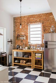 40 Easy , Impactful DIYs for When You're Stuck at Home - ChecoPie Diy Cozinha, Kitchen Decor, Kitchen Design, Kitchen Ideas, Dinner Room, Interior Decorating, Interior Design, Diy Design, Design Ideas