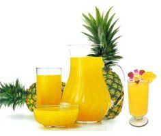 10. Licuado de melón, piña y miel: Es un licuado acelerador del metabolismo. Un delicioso licuado para bajar de peso que ayuda a quemar grasas más rápidamente, gracias a las propiedades desintoxicantes de sus componentes.