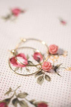 Petra Reijrink - handgemaakt Romantic Rose pink large oorbellen goud