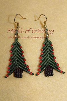 macrame Christmas earrings
