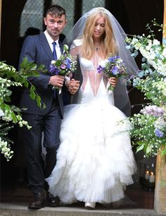 Open wedding dress? - what do you think of the look?