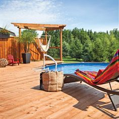 Un patio vaste et léger - Je Jardine Above Ground Pool Landscaping, Above Ground Pool Decks, In Ground Pools, Pool Deck Furniture, Backyard Play, Outdoor Living, Outdoor Decor, Pool Houses, Pool Ideas